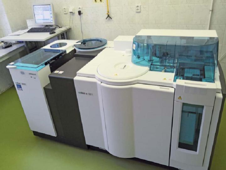 Screening markerů infekčních onemocnění u dárců krve na analyzátoru cobas e 601