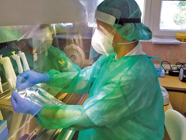 Testování chřipky A/B pomocí systémů cobas® Liat® (Lab In A Tube)